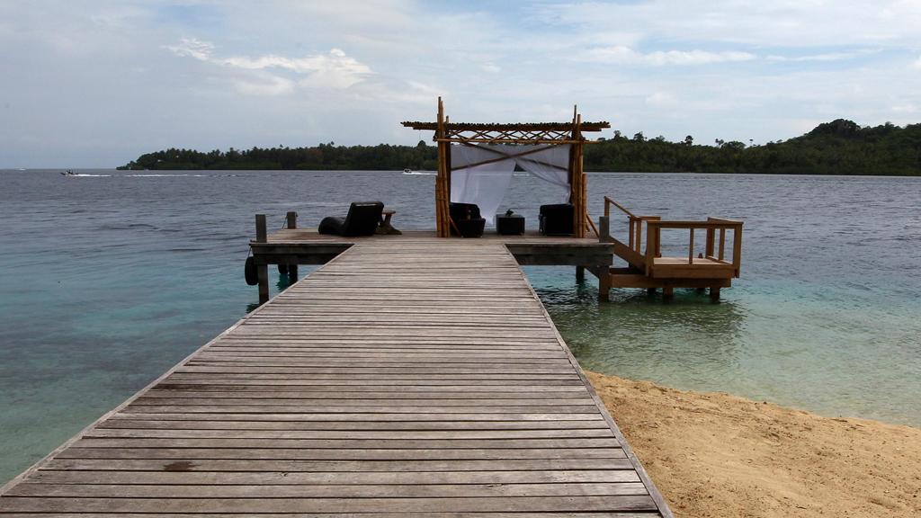 deadly tsunami hits solomon islands channel 4 news