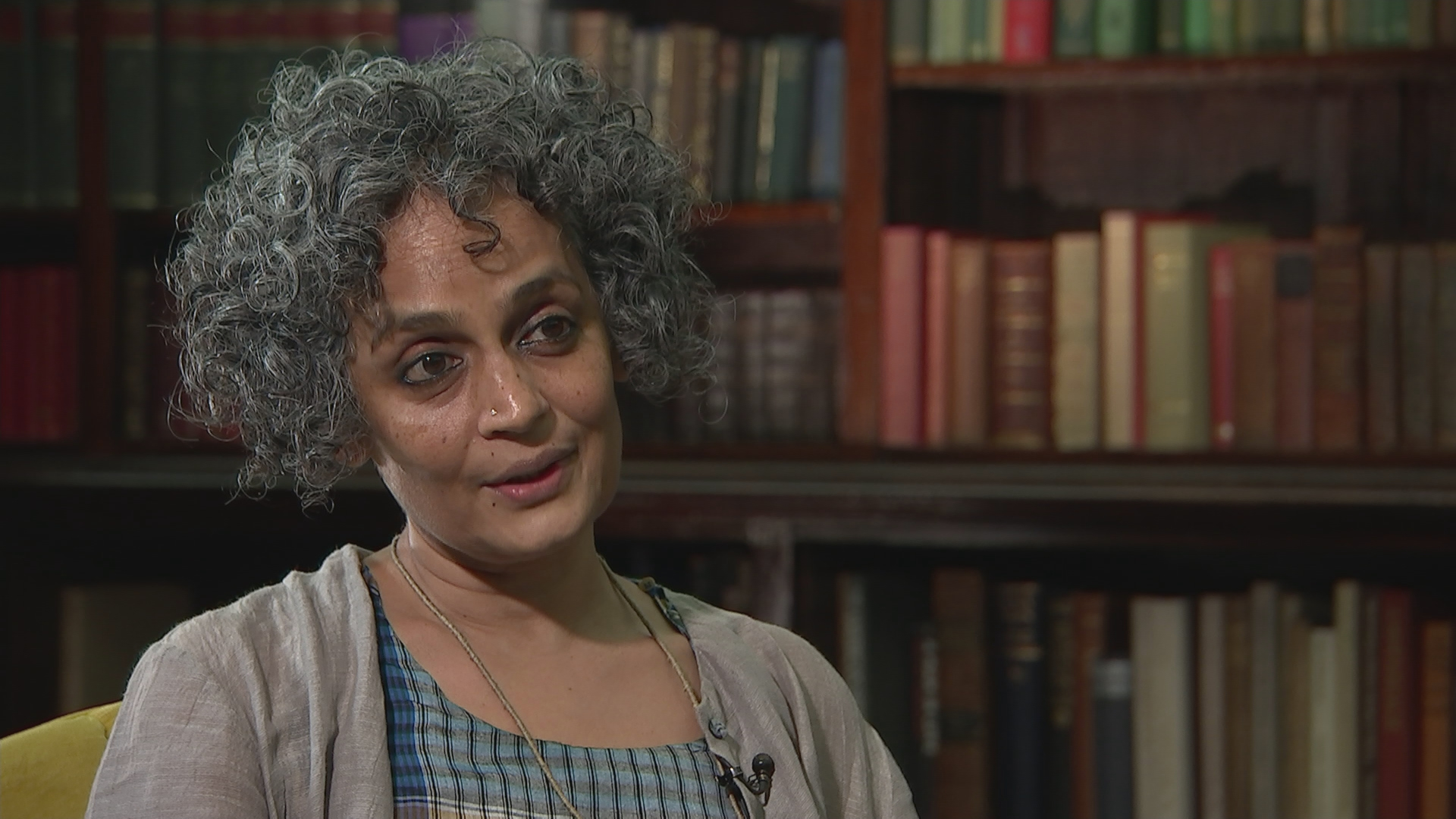 political essays by arundhati roy This breadth is unsurprising, given what roy has been up two in the last two decades — writing influential political essays and non-fiction books, lending her voice to resistance movements like those in kashmir and opposing industrial projects that would have devastating environmental effects (her protest.