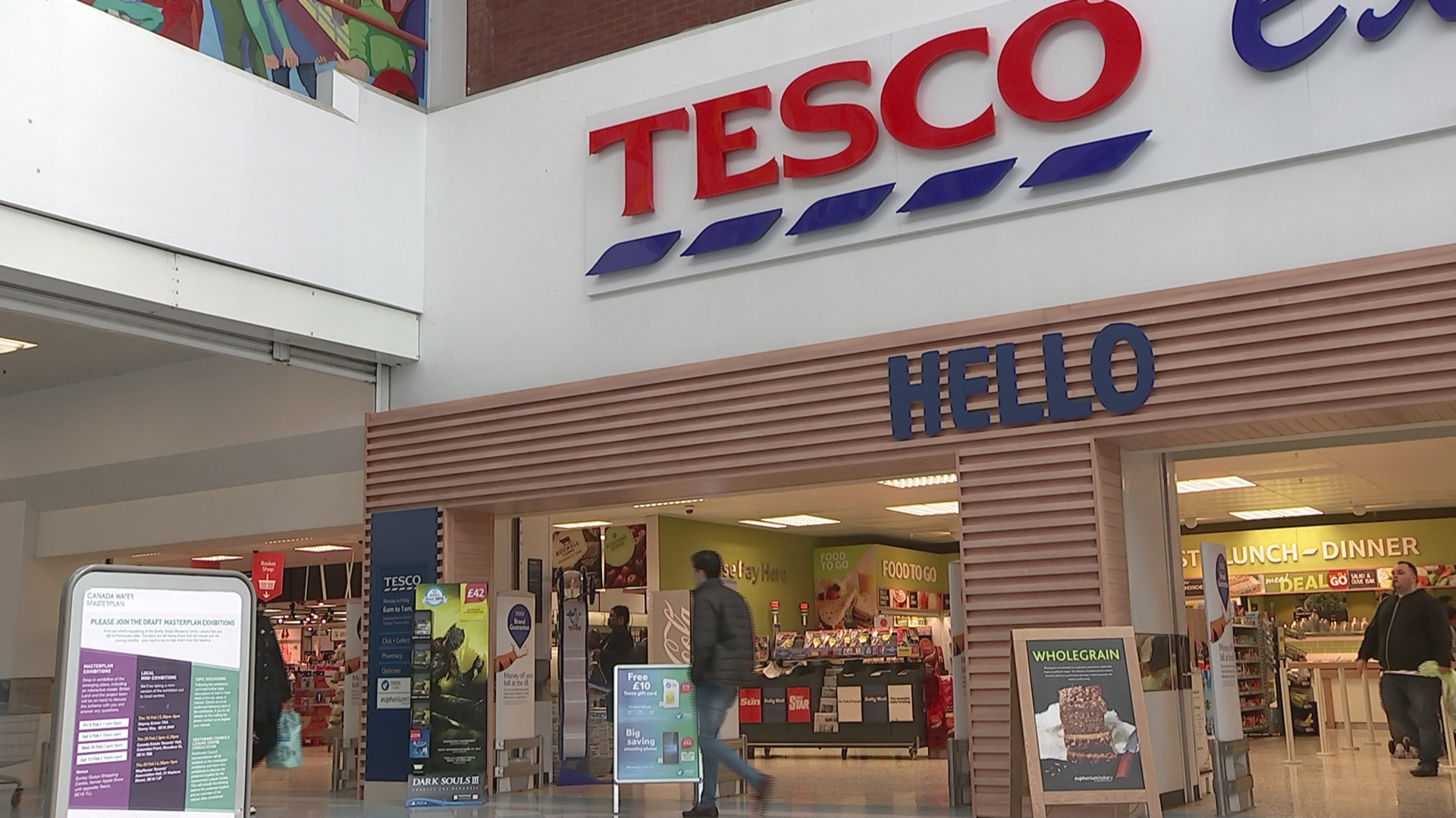 Tesco facing largest ever UK equal pay claim - Channel 4 News